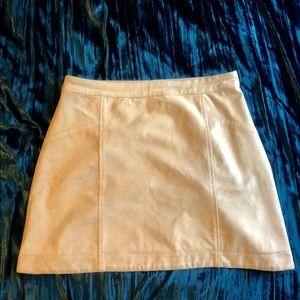 Abercrombie & Fitch Khaki Skirt Size 6